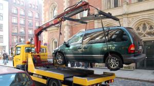 Как забрать машину со штрафстоянки в 2018 году: что делать, куда звонить и сколько стоит?
