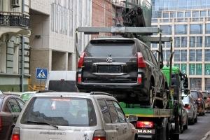 Правомерно ли эвакуировать авто без номеров