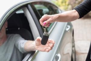 Что делать если угнали машину в 2018 году? Если с документами?