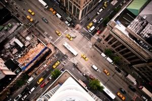 Как не допустить аварий при обгоне на перекрёстке: советы водителям