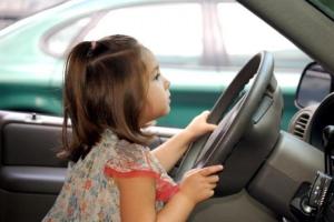 Можно ли зарегистрировать автомобиль на несовершеннолетнего