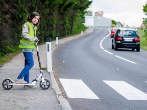 Как правильно переходить дорогу пешеходу по ПДД