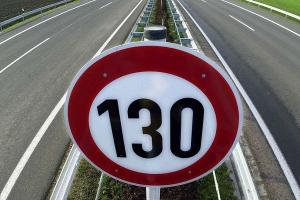 Максимальная скорость на автомагистрали в России